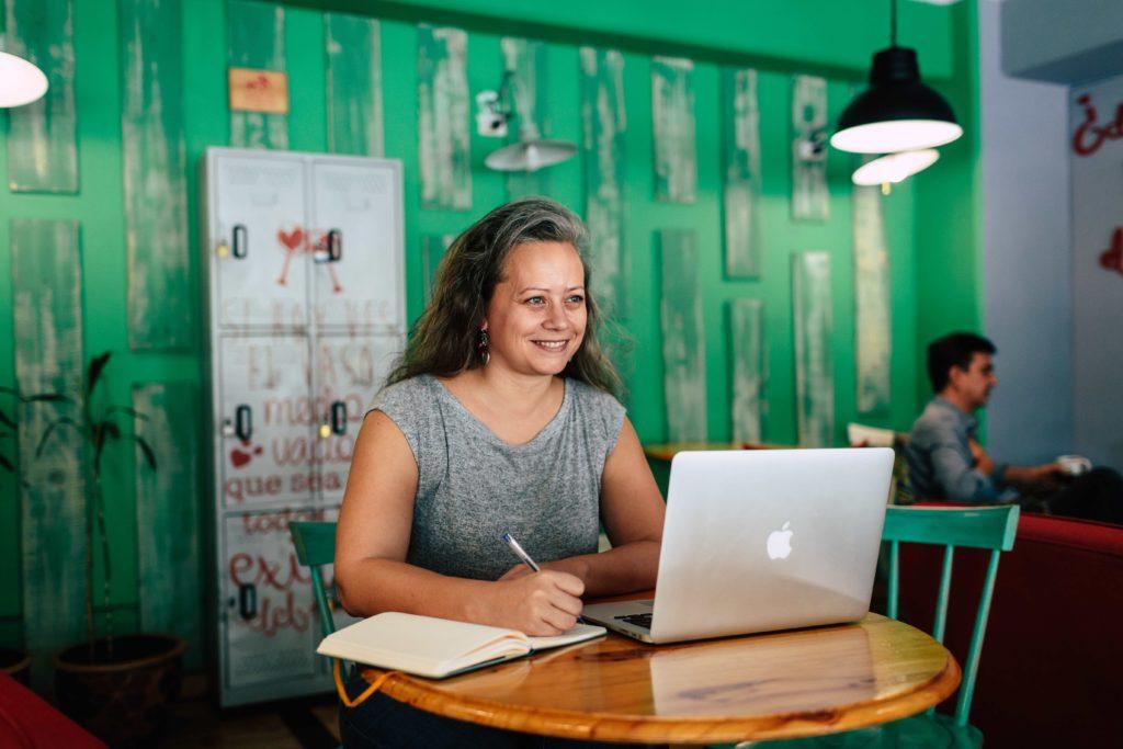 Arbeitsalltag einer online arbeitenden Psychotherapeutin